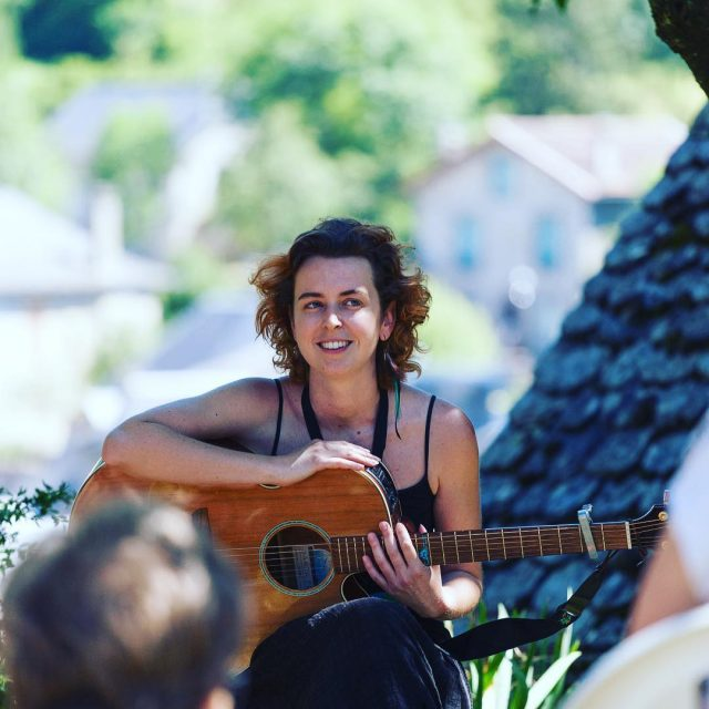 Beata Dreisigova de Beatik en jardin  festival detoursdumondehellip